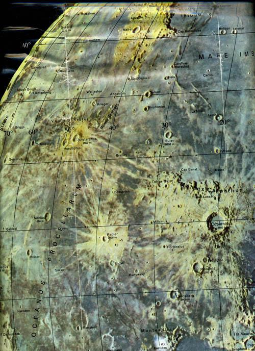The Moon / La Luna / Der Mond / La Lune