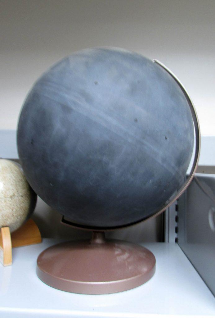 Blank globe